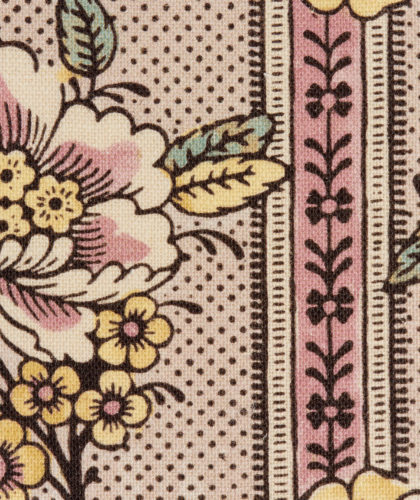 The Garnered - Antoinette Poisson Fabric Guirlandes De Fleurs Pink The Garnered