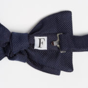 Matte Silk Shark's Fin Pre-Tied Bow-Tie - Navy Bowtie Maison F Ties The Garnered 12