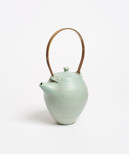 The Garnered - Arielle De Gasquet Handmade Stoneware Ceramic Teapot The Garnered 1 2