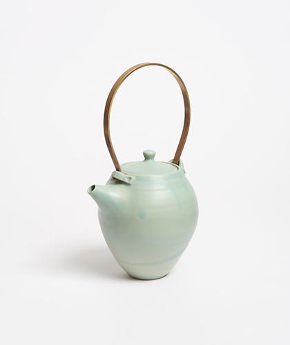 The Garnered - Arielle De Gasquet Handmade Stoneware Ceramic Teapot The Garnered 1 2
