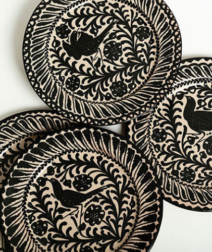 The Garnered - Group Black 26Cm Classic Plates Casa Lopez Ceramics The Garnered Thumbnail
