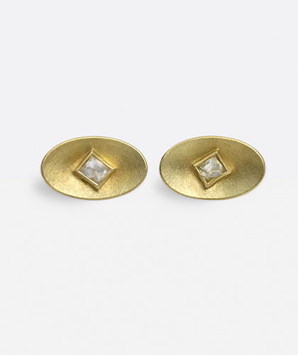 The Garnered - Jean Scott Moncrieff Gold Earstuds Octahedral Diamonds The Garnered Thumbnail